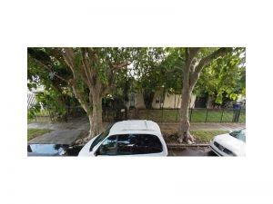 736 NW 45th St. Miami, Florida - Hometaurus