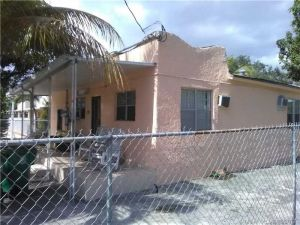 797 NW 34th St. Miami, Florida - Hometaurus