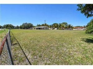 4041 SW 52nd St. Dania Beach, Florida - Hometaurus