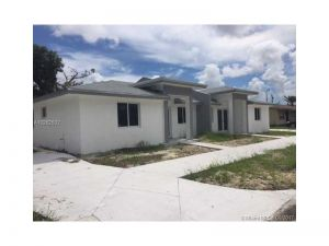 17501 SW 106th Ave. Miami, Florida - Hometaurus