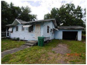 1905 NW 94th St. Miami, Florida - Hometaurus
