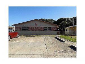 11615 SW 215th St. Miami, Florida - Hometaurus