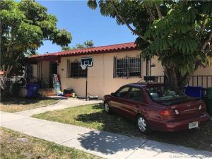 995 SW 14th Ave. Miami, Florida - Hometaurus