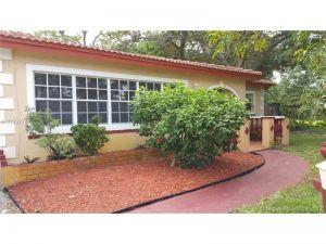 610 E Campus Cir. Fort Lauderdale, Florida - Hometaurus