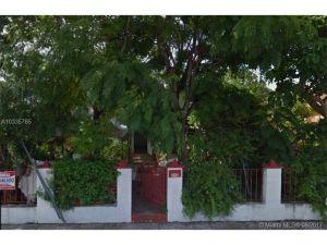 115 NW 32nd St. Miami, Florida - Hometaurus