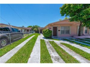 11134 SW 7th St. Sweetwater, Florida - Hometaurus