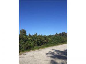 5599 140 Ave. Wellington, Florida - Hometaurus
