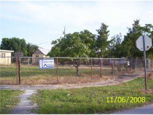 3280 NW 212 Street. Miami Gardens, Florida - Hometaurus