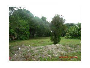 615 NW 15 Av. Fort Lauderdale, Florida - Hometaurus