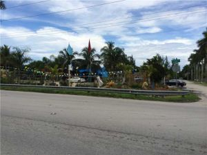 12000 SW 248 St. Homestead, Florida - Hometaurus