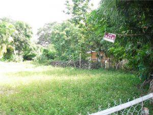 10515 NW 28 Ct. Miami, Florida - Hometaurus