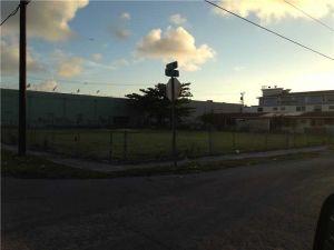 0 NW 18 Ave. Miami, Florida - Hometaurus