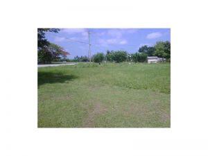 14460 SW 268 St. Homestead, Florida - Hometaurus