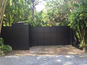 3900 Loquat Av. Miami, Florida - Hometaurus