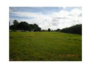 5360 SW 130 Av. Southwest Ranches, Florida - Hometaurus