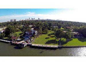 1018 S Northlake Dr. Hollywood, Florida - Hometaurus