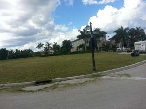 11993 NW 66 Ct. Parkland, Florida - Hometaurus