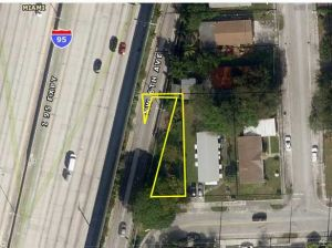 563 NW 58 St. Miami, Florida - Hometaurus