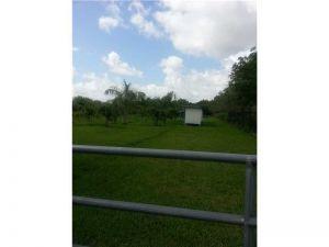 9775 SW 55 Ct. Cooper City, Florida - Hometaurus