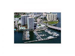 7601 E Treasure Dr-dock D5. North Bay Village, Florida - Hometaurus