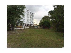 3619 SW 2 St. Miami, Florida - Hometaurus