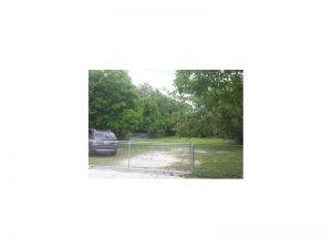 621 SW 44 Court. Miami, Florida - Hometaurus