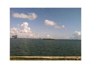 861 N Venetian Dr. Miami Beach, Florida - Hometaurus