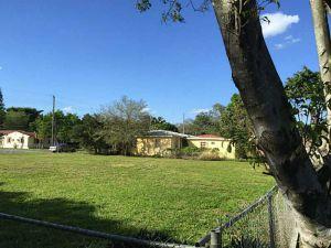 777 SW 7 Av. Hallandale, Florida - Hometaurus