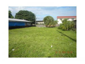 709 NW 4 Av. Pompano Beach, Florida - Hometaurus