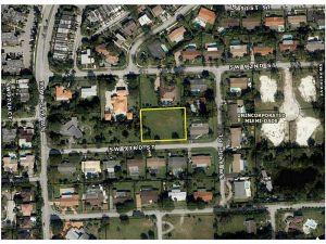 9521 SW 93 St. Miami, Florida - Hometaurus