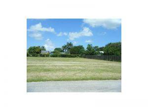 230 SW 172 Ct. Homestead, Florida - Hometaurus