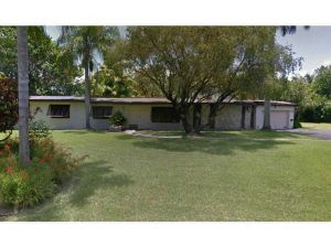 11650 SW 68 Ct. Pinecrest, Florida - Hometaurus
