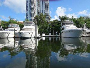 3575 Mystic Pointe Dr #33. Aventura, Florida - Hometaurus