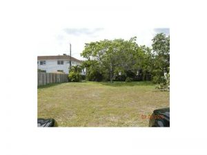 1010 N 18 Ct. Hollywood, Florida - Hometaurus