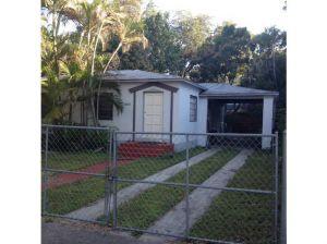 2428 Secoffee Te. Coconut Grove, Florida - Hometaurus