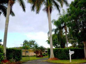 6640 SW 116 St. Pinecrest, Florida - Hometaurus