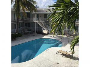 1940 Biarritz Dr #4. Miami Beach, Florida - Hometaurus