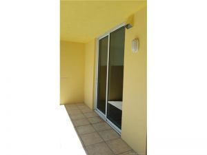 14 SE 170 #1106. Miami, Florida - Hometaurus