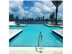17111 Biscayne Blvd #701. Miami, Florida - Hometaurus