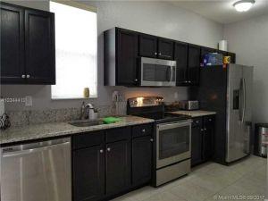 16951 SW 90th Terrace #0. Kendall, Florida - Hometaurus