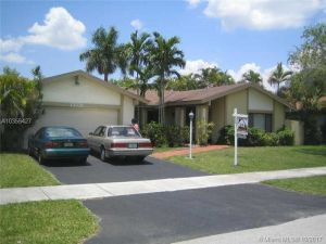 13331 SW 102 St. Miami, Florida - Hometaurus