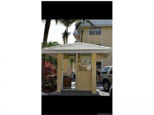 100 Edgewater Dr #127. Coral Gables, Florida - Hometaurus