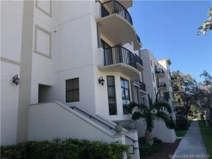 1650 Galiano St #410. Coral Gables, Florida - Hometaurus