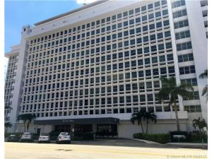 700 Biltmore Way #1017. Coral Gables, Florida - Hometaurus