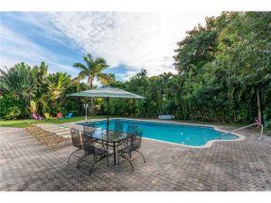 1512 Seabreeze Blvd. Fort Lauderdale, Florida - Hometaurus