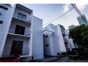 191 SW 12th St #8. Miami, Florida - Hometaurus