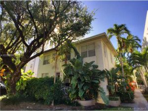 1030 Jefferson Ave #8. Miami Beach, Florida - Hometaurus