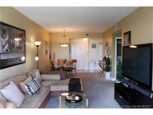 50 Menores Ave #814. Coral Gables, Florida - Hometaurus