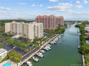 90 Edgewater Dr #803. Coral Gables, Florida - Hometaurus