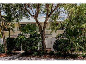 2970 Day Ave #3201. Coconut Grove, Florida - Hometaurus